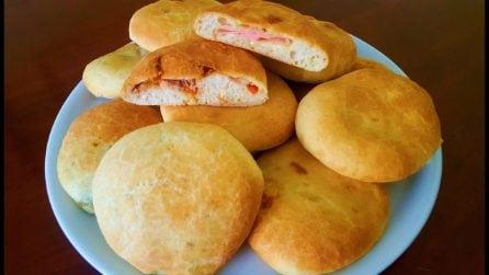 Focaccelle ripiene: la ricetta deliziosa da servire al posto del pane