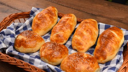 Easy oil buns: fluffy and delicious!