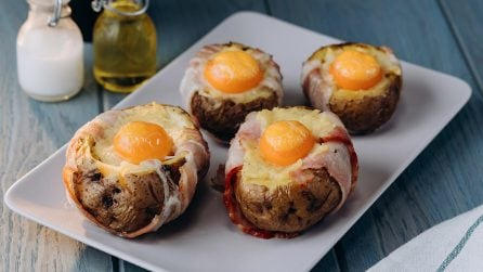 Barchette di patate e uova: l'idea per una cena sfiziosa e saporita!