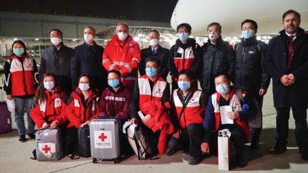Tutta l'Italia ringrazia i medici cinesi arrivati dalla Cina per aiutarci a vincere questa battaglia