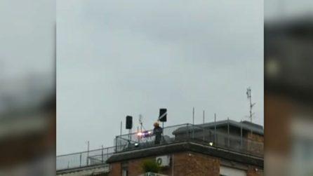 Coronavirus, Dj set sui tetti di Roma con l'inno nazionale