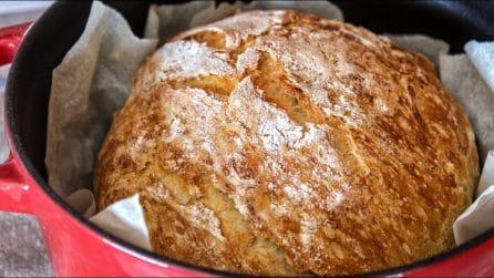Pane cotto in pentola: la ricetta per averlo croccante fuori e morbido dentro