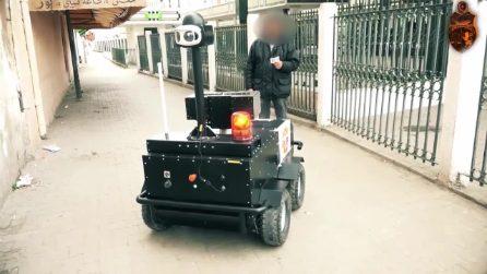 Coronavirus, in Tunisia i robot effettuano i controlli in strada