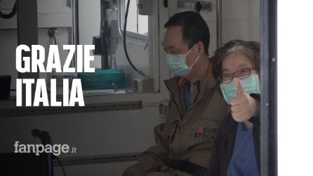 """Coronavirus, il saluto commosso della coppia cinese che lascia lo Spallanzani: """"I love you Italy!"""""""