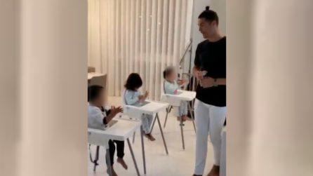 Coronavirus, Cristiano Ronaldo insegna ai figli a lavarsi le mani: le tenere immagini