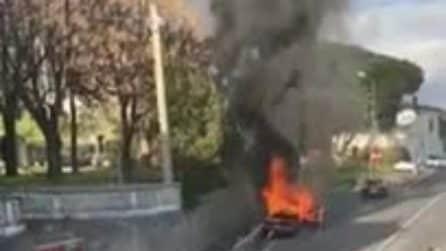 Salerno, forza posto di blocco e si schianta con l'auto: poi la colluttazione con i carabinieri