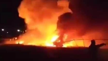 Coronavirus, aereo di assistenza medica esplode dopo il decollo: drammatico incidente a Manila