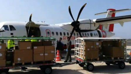 Coronavirus, aerei Guardia costiera e Esercito portano mascherine