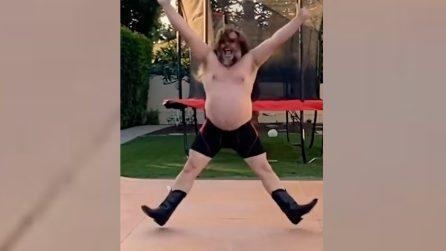La folle e divertente danza di Jack Black durante la quarantena