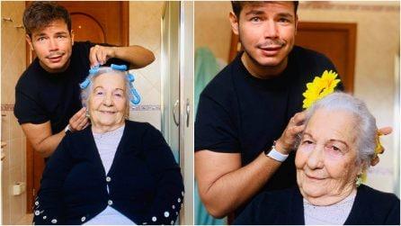 """Crea acconciature per sua nonna per strapparle un sorriso: """"Ragazzi, prendiamoci cura degli anziani"""""""