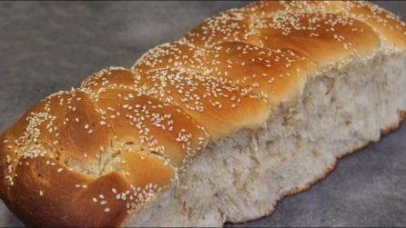Treccia soffice di pane: la ricetta da preparare semplicemente a casa