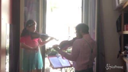 Flashmob della Filarmonica della Scala per i medici, l'esecuzione del musicista Lattuada