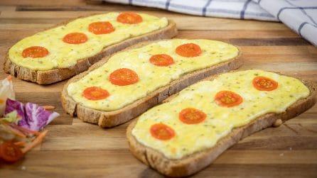 Pane uova e pomodoro: l'idea facile ed economica per riutilizzare il pane raffermo!