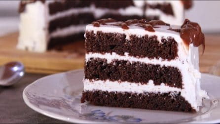 Torta al cioccolato farcita: la ricetta super golosa e semplice da preparare