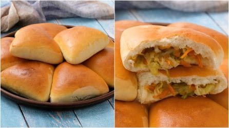 Stuffed bread triangles: full of cabbage and veggies!