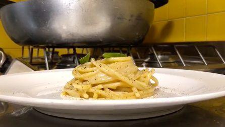 La video ricetta della cacio e pepe rivisitata dello chef Giuseppe Mellone