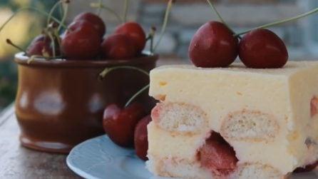 Semifreddo alle ciliegie: la ricetta del dessert bello e goloso