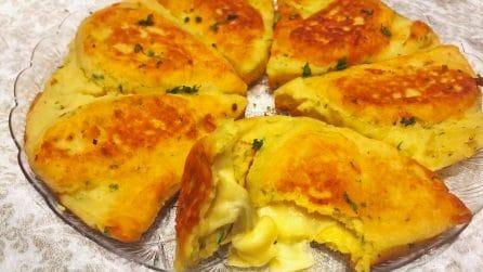 Triangoli di patate ripieni: la ricetta del secondo piatto originale e sfizioso