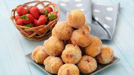 Frittelle con le fragole: la ricetta sfiziosa che conquisterà grandi e piccini!
