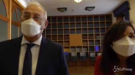 """Claudio e Annunziata, i primi sposi a Milano dopo il virus: """"Lo volevamo, anche con le mascherine"""""""