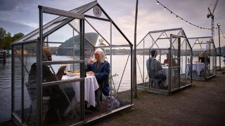 Nel primo ristorante anti-Coronavirus puoi cenare in romantiche serre avvolto da un'atmosfera magica