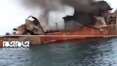 Nave da guerra iraniana sbaglia il bersaglio e colpisce nave amica: 19 marinai morti