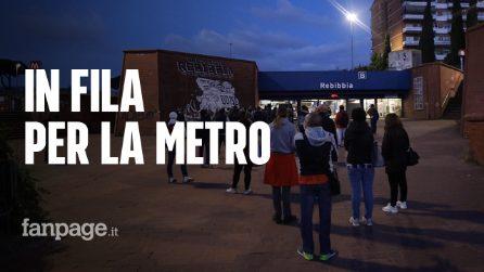 Rebibbia: in fila alle 5 di mattina per prendere la metro in tempo