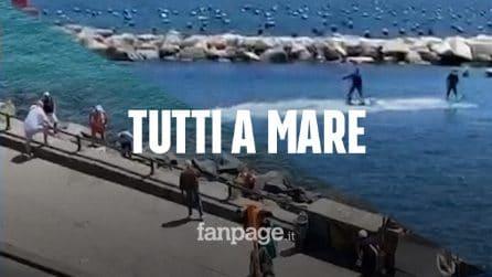 Napoli, niente mare nella Fase 2: i militari e polizia cacciano i bagnanti