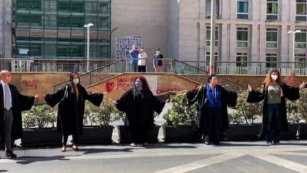 Coronavirus, Fase 2: flash-mob degli avvocati a Palermo