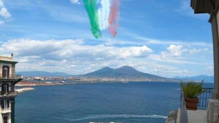 Frecce Tricolori a Napoli, spettacolare passaggio sul Vesuvio e il Golfo