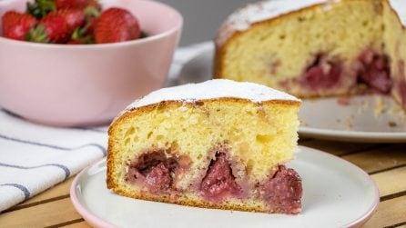 Torta nuvola alle fragole: il dolce che piacerà a grandi e piccini!