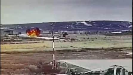 Russia, elicottero perde il controllo e si schianta al suolo: nell'incidente muoiono 4 persone