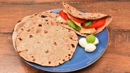 Whole wheat bread (roti): ready in a few minutes without yeast!