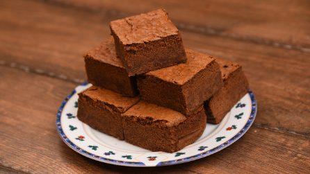 Quadrotti soffici al cioccolato: il dolcetto pronto in pochi minuti!