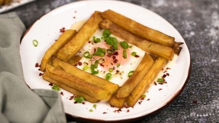 Uova al forno con patatine: l'idea sfiziosa che conquisterà i più piccoli!