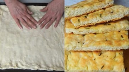 Pizza bianca: la ricetta semplice da servire al posto del pane