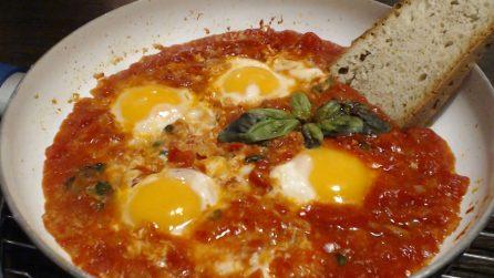 Uova al purgatorio: la ricetta del secondo piatto semplice ma pieno di gusto