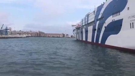 Genova, le navi nel porto suonano le sirene in ricordo di Giovanni Falcone