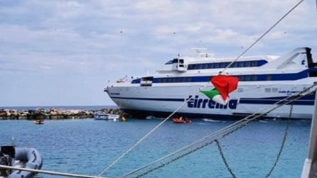 Incidente alle Isole Tremiti, nave Tirrenia finisce sugli scogli