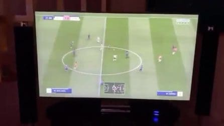 Subisce gol a FIFA e spacca la tv: l'ira del presidente dell'Almeira che non accetta la sconfitta