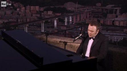 Suggestivo omaggio alla ripartenza di Genova di Raphael Gualazzi