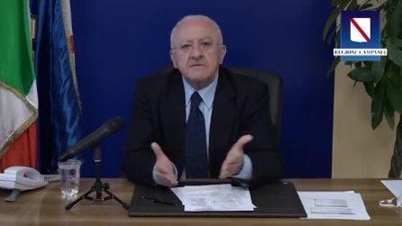 Vincenzo De Luca show: attacco agli assistenti civici e al ministro Gualtieri