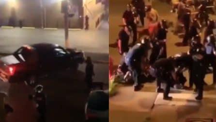 George Floyd, suv travolge due poliziotti: il momento drammatico ripreso in un video