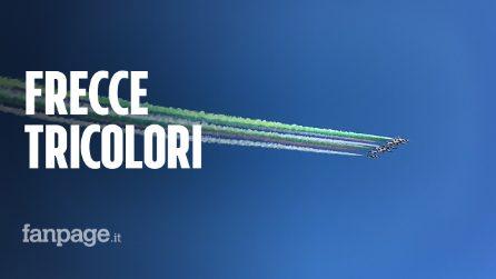 2 giugno, il passaggio delle Frecce tricolori nel cielo di Roma
