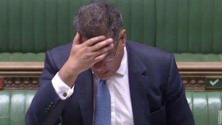 Sintomi sospetti per il ministro britannico: malessere durante l'intervento in Parlamento