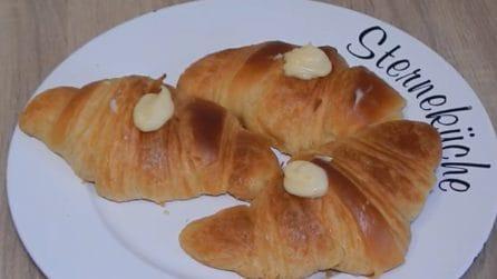 Cornetti sfogliati e soffici: la ricetta per averle perfetti e gustosi