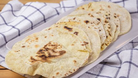 Pane turco senza lievito: pronto solo con 3 ingredienti!