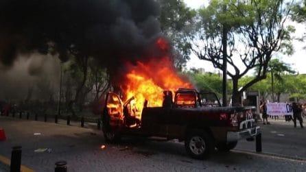 """Giovane """"torturato"""" dalla polizia, scoppia la rivolta in Messico"""