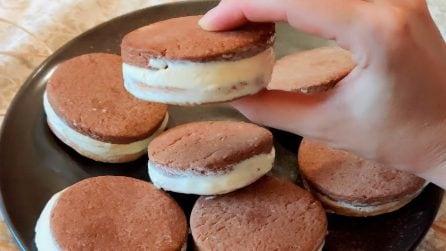 Biscotti gelato bianchi e neri: la ricetta gustosa che piace a grandi e piccoli