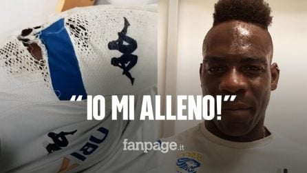 """Balotelli mostra la maglia strappata sui social e risponde ai tifosi: """"Adesso basta, io mi alleno"""""""
